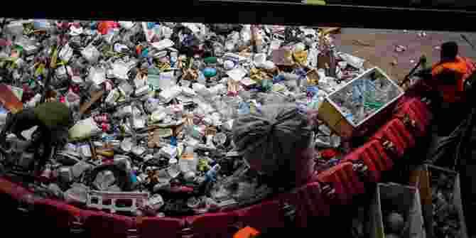 Tangsel Hasilkan Sampah Plastik Hingga 100 Ton Per Hari