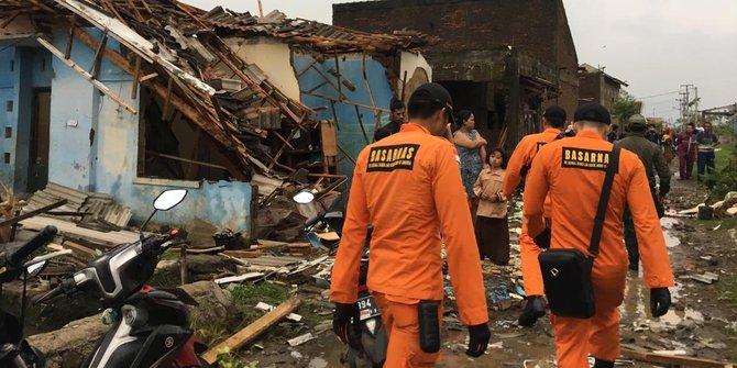 Puting Beliung Merusak Ratusan Rumah Di Kabupaten Bandung
