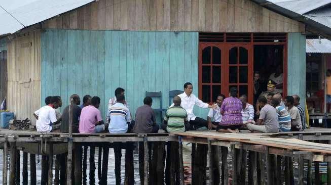 Jokowi Memerintahkan Program Mekaar Masuk ke Pasar Mama Mama Papua