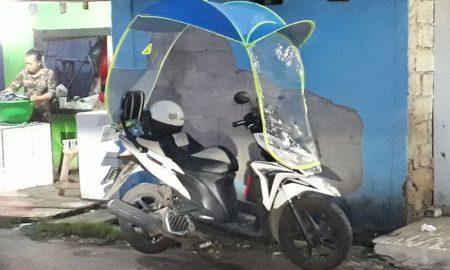 Pakar Safety Riding Angkat Bicara Soal Motor Pakai Kanopi