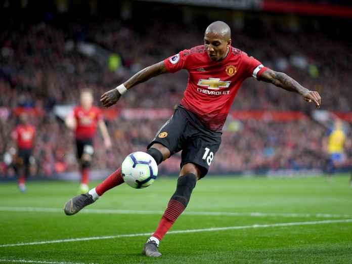Young Tidak Terima Manchester United Diperkirakan Bakal Kalah