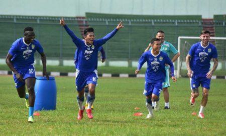 Pecinta Sejarah Bandung Mengenang Kejayaan Stadion Siliwangi