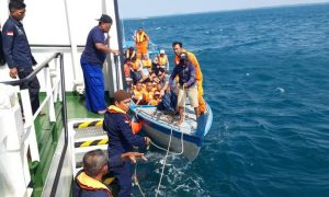 Kabar Terbaru KM Santika Nusantara Terbakar